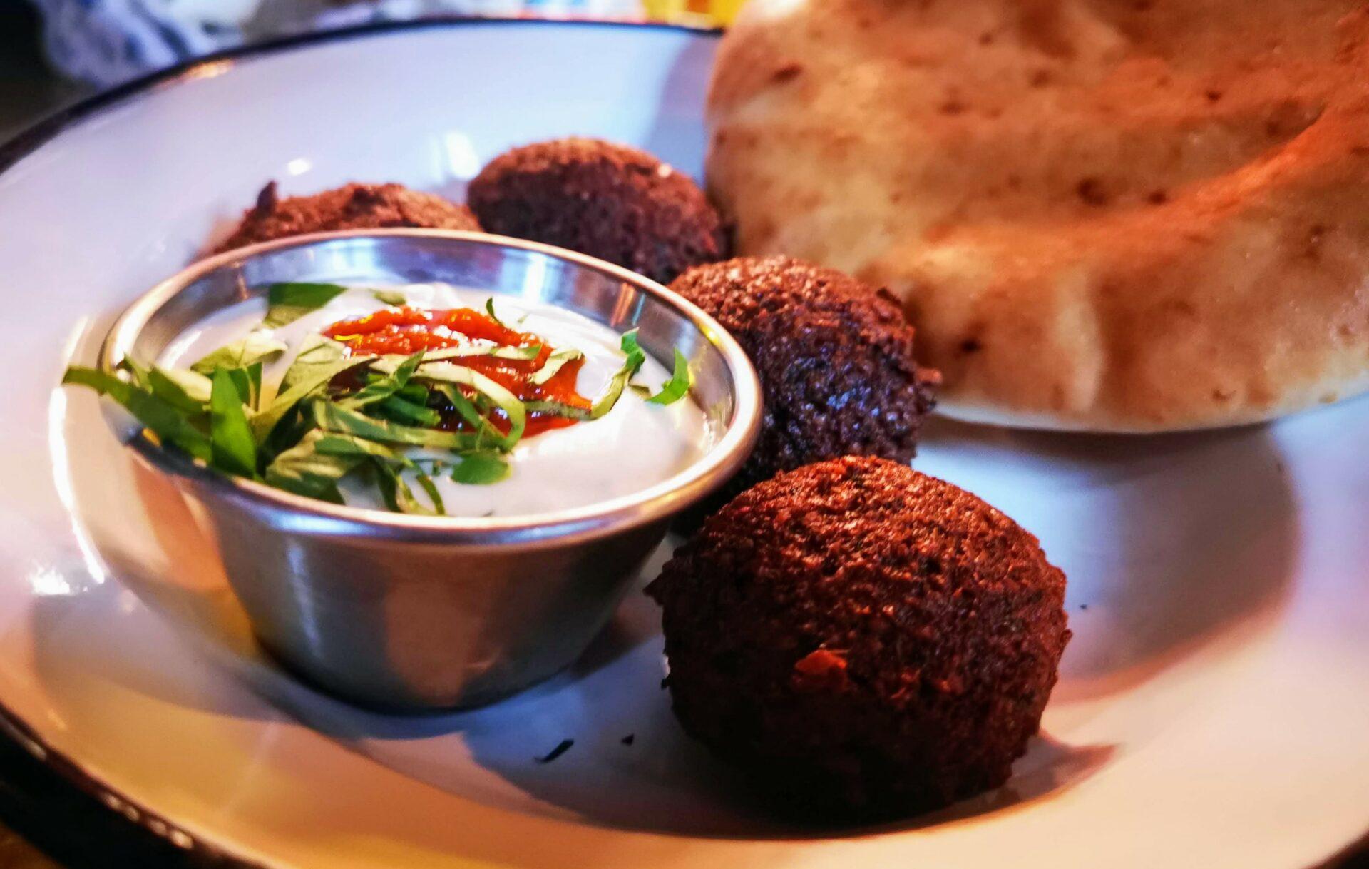 Die israelischen Restaurants Simbiosa und Neni in Hamburg