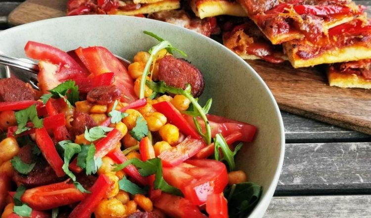 Bunter Kichererbsen-Salat mit Chorizo-header