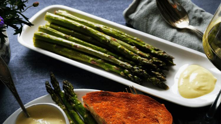 Grüner Spargel aus dem Ofen - einfach lecker als Salat, Beilage oder Tapas