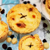 Meat Pies - australische Klassiker mit Hähnchen, Cranberries und Macadamia Nüssen