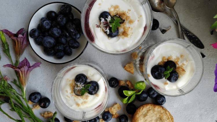 Heidelbeer-Dessert mit Skyr und Mascarpone