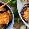Gebackene japanische Aubergine mit Ingwer-Sojasauce