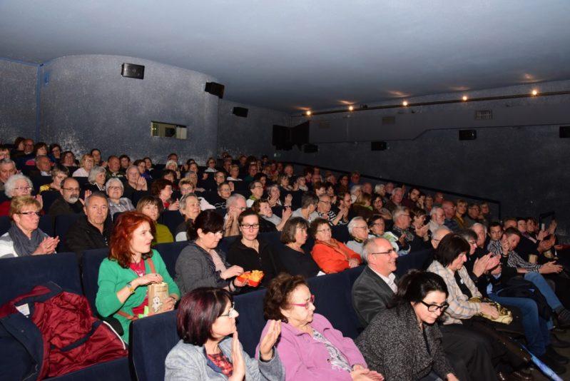 Voller Kinosaal