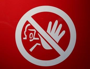 Aldi-Lotto Symbolbild Finger weg