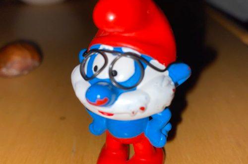Papa Schlumpf mit selbstgebastelter Brille