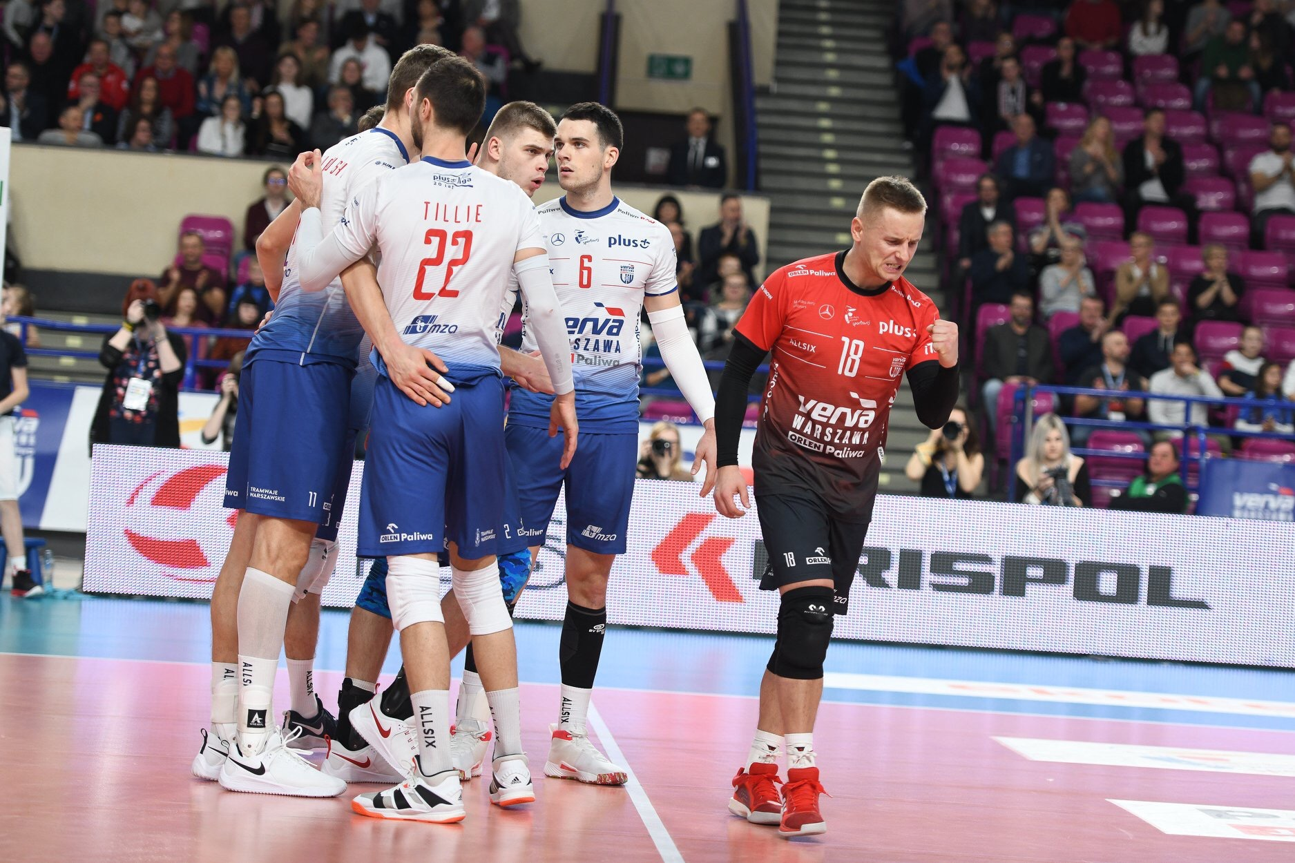 Poland: Warszawa break 9-game winning streak of Jastrzębski to stay on the top!