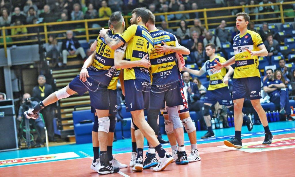 Coppa Italia: Lube struggle vs. Monza but advance to Final 4, Perugia record 14th win in a row, Modena ok.