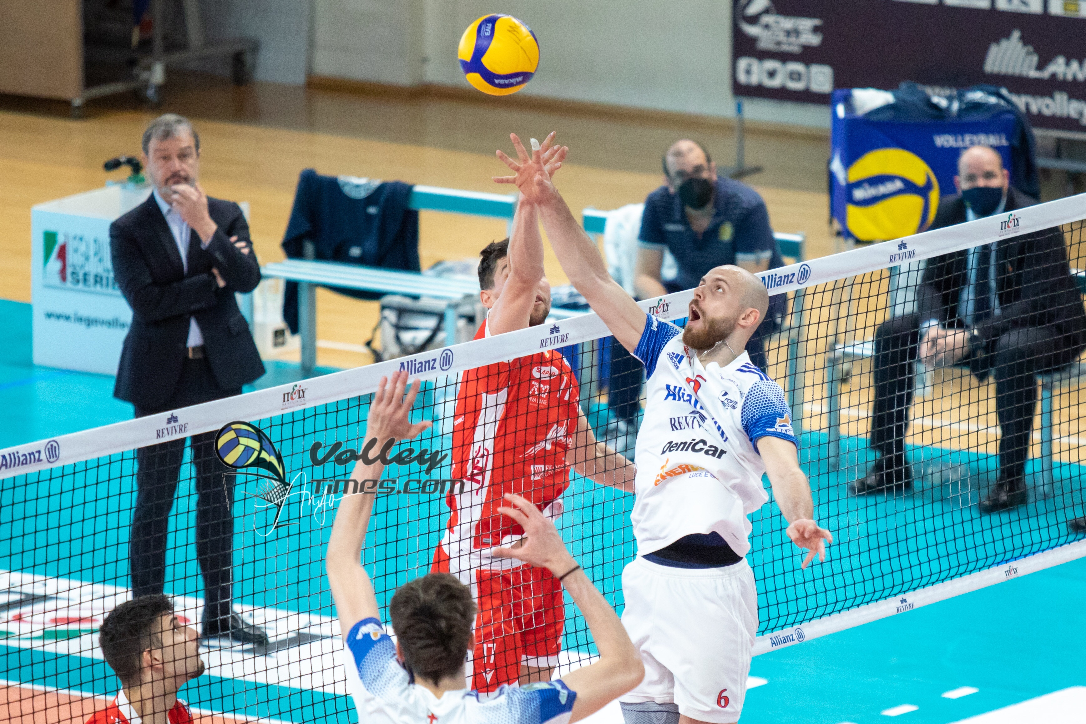 Italy: Milano defeats Ravenna 3-0 in postponement of Round 5 of playoffs for 5th place.