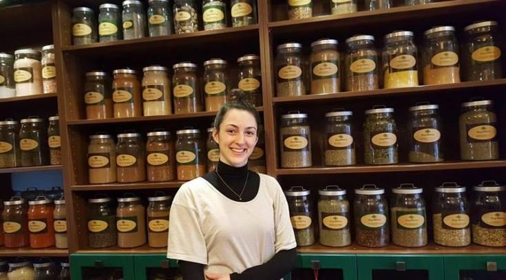 H Δήμητρα είναι βοταναλόγος & έχει τα πάντα!ΔΕΣ το εκπληκτικό μαγαζί της!