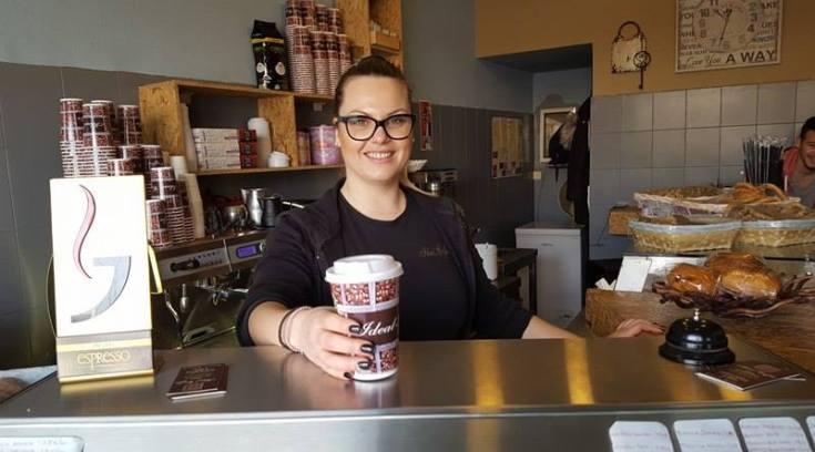 Ideal Coffee: Η γλυκιά Σοφία σας περιμένει με τον καλύτερο καφέ! (ΦΩΤΟ)