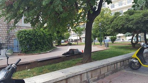 Εικόνες γροθιά στο στομάχι! Άστεγοι παντού… ΞΥΠΝΗΣΤΕ ΡΕ!