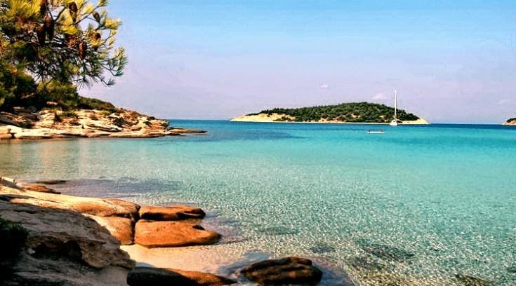 Το άγνωστο εξωτικό νησί μας που έχει ζεστά νερά όλο το χρόνο και καθόλου κύμα