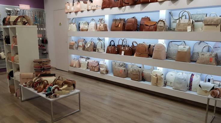 H μεγαλύτερη ποικιλία τσαντών της πόλης σ ένα μαγαζί! (ΦΩΤΟ)