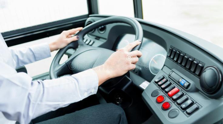 """«Πιάστηκαν στα χέρια"""" μέσα στο λεωφορείο- Επέμβαση οδηγού!"""