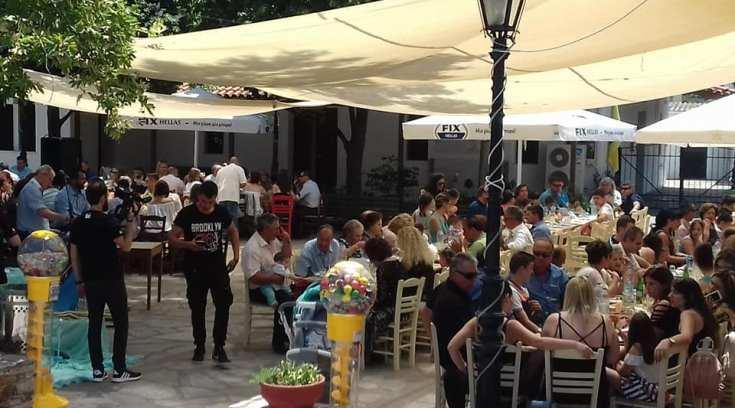 Στα Πέριξ: Εσύ πήγες στη δροσερή Πλατεία τους για φαγητό;