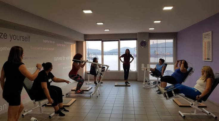 Στο απόλυτα γυναικείο γυμναστήριο της πόλης έχεις ΔΩΡΟ 3 μήνες!