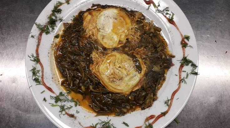 Πεθύμησες αυγά με χόρτα; Ξέρω που θα φας τα πιο νόστιμα!