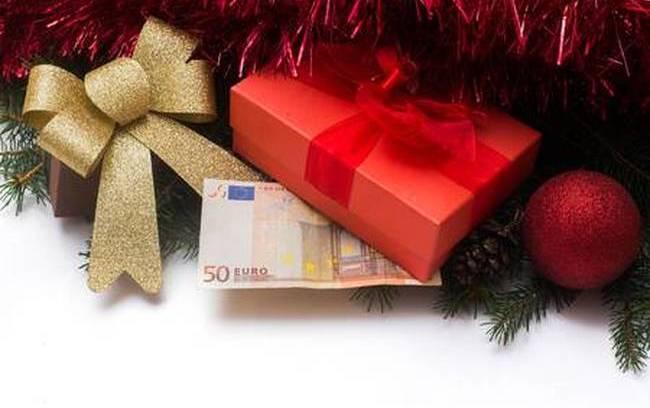 ΟΑΕΔ: Πότε πληρώνει το δώρο Χριστουγέννων και τα επιδόματα