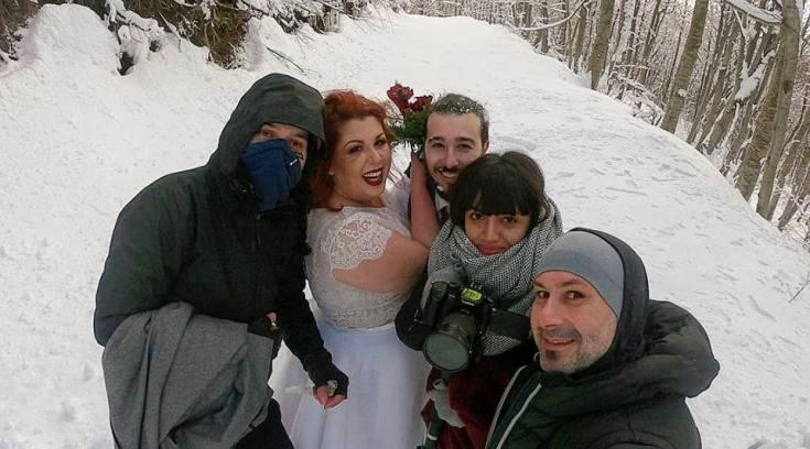 Είναι τρελός ο Καπετανάκης- Μπράβο για το θάρρος αυτής της νύφης!