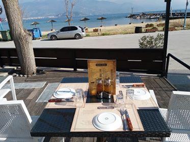 Κρητικές γεύσεις & ψητά στη σούβλα μπροστά στη θάλασσα!