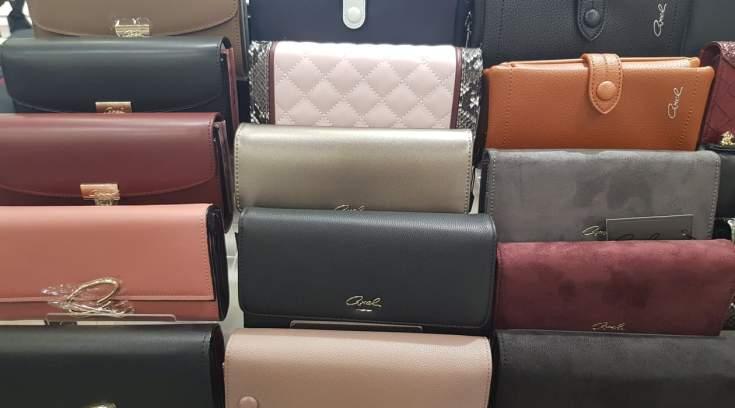 Είδατε τα νέα πορτοφόλια της Axel; Κάντε το πιο όμορφο δώρο σε τιμή έκπληξη!