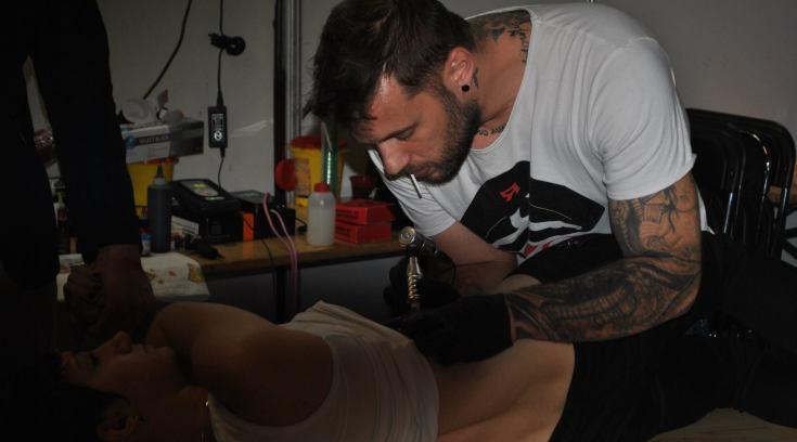 Τατουάζ αξίας 2993 ευρώ έκαναν οι Βολιώτες για τον Παναγιώτη-Ραφαήλ!