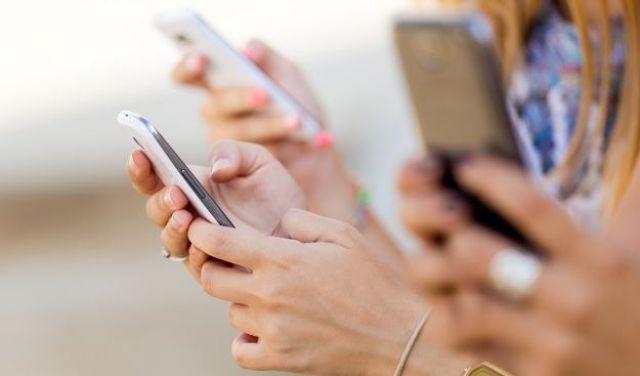 Covid-19: Στο όνομα της αντιμετώπισής του, παρακολουθούνται τα κινητά!