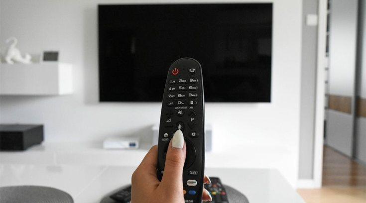 Tο πρόγραμμα της τηλεόρασης- Τι θα δεις αφού #menoumespiti