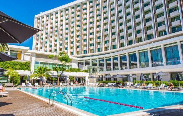 Το νέο ευρωπαϊκό… πρωτόκολλο για ξενοδοχεία, μπαρ, εστιατόρια, πισίνες