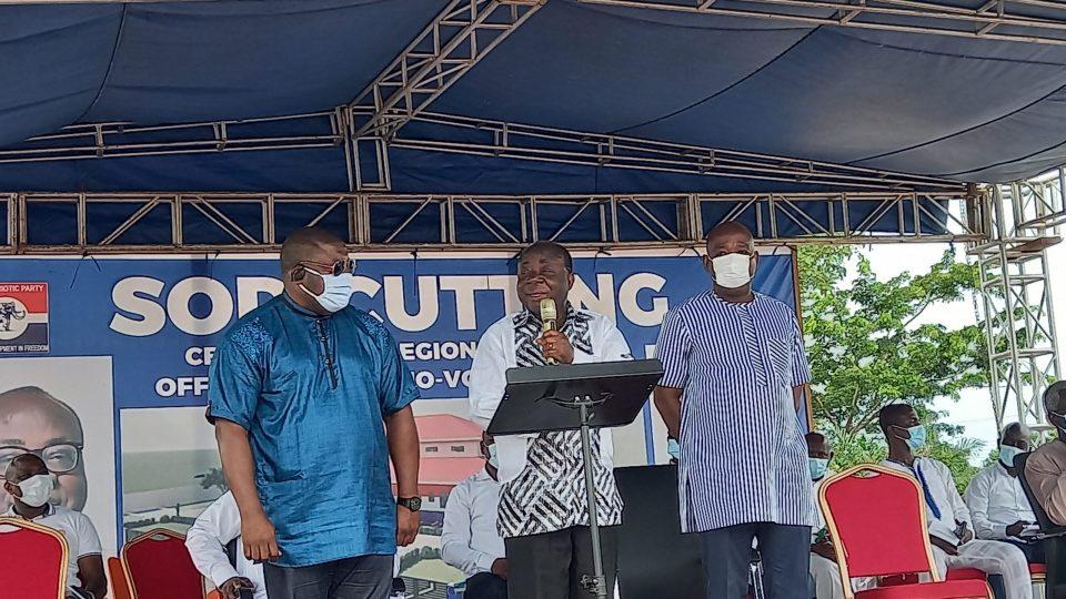 Mr. Freddie Blay, flamked by National Youth Organizer, Nana Boakye (L) and Regional Chairman, Makafui Woanyah (R)