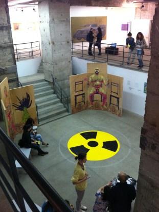 Preparando la zona radioactiva para la presentación de la tarde