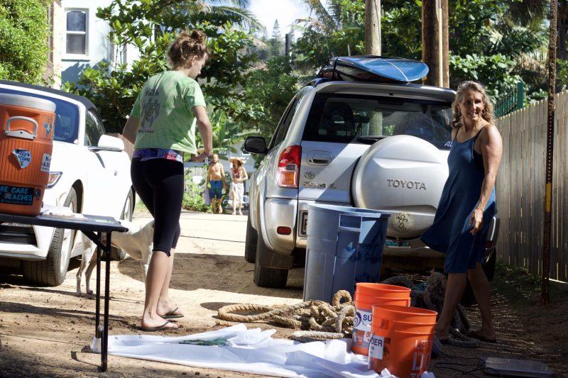 Volunteer with surfrider