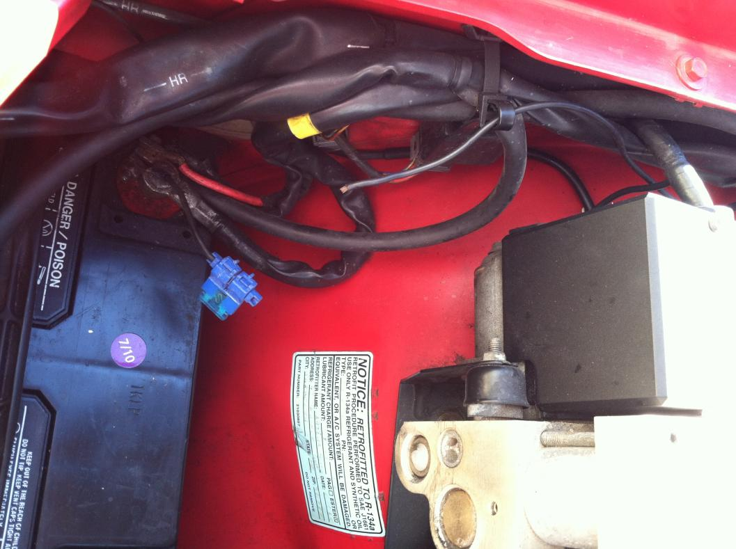 hight resolution of  loose wire in engine compartment of 92 940 gl img 1919 jpg