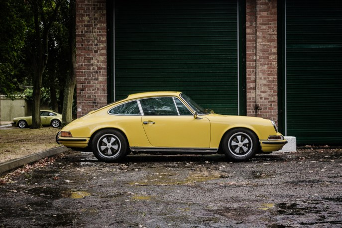 Light Yellow Porsche 911