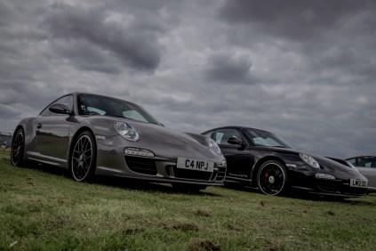Two Porsche 911 Carrera GTS'