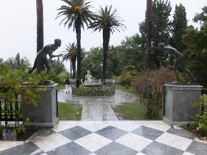 Achilleion Weg zum Garten
