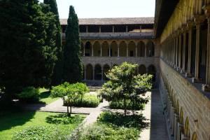 Blick von oben in den Klostergarten
