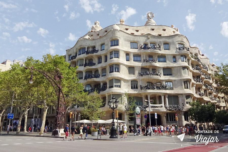 barcelona-de-gaudi-la-pedrera-casa-mila-passeig-de-gracia