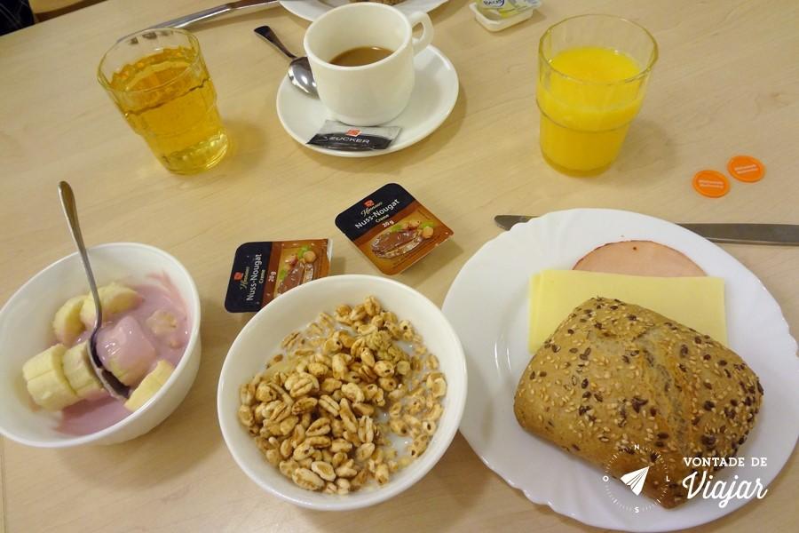 Albergue - Cafe da manha no hostel em Nuremberg