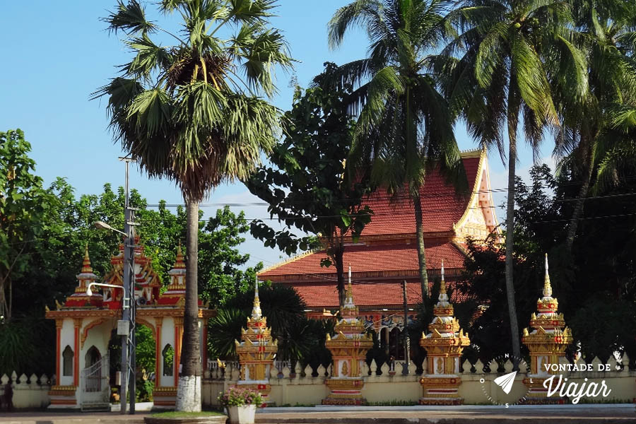 cemiterios-do-mundo-templo-em-vientiane-no-laos