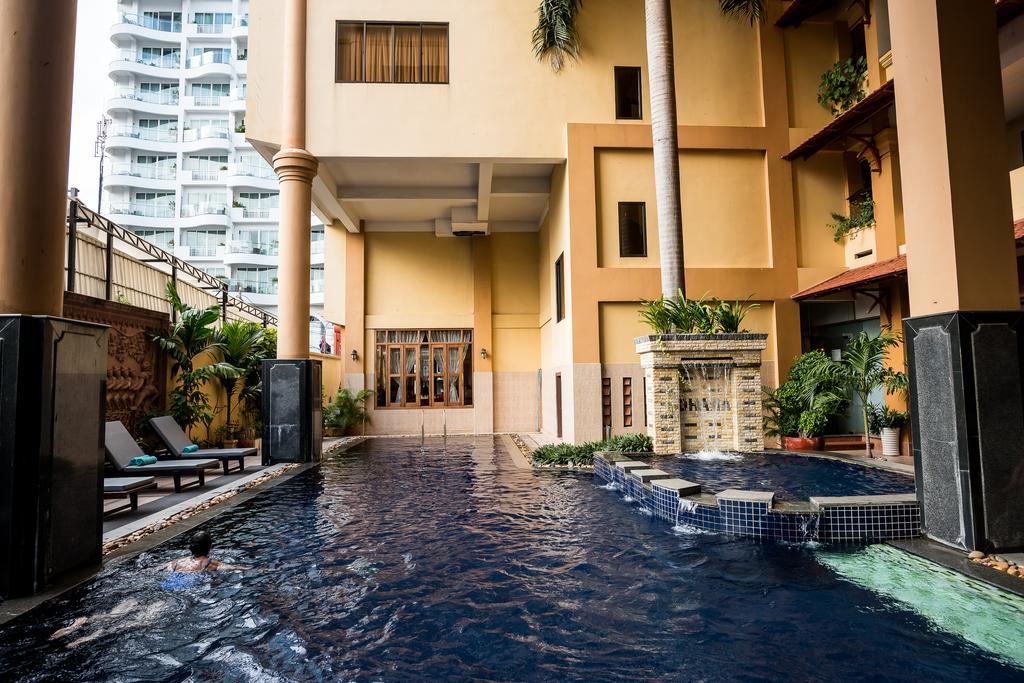 Hoteis Sudeste Asiatico - Ohana Hotel Phnom Penh Camboja piscina