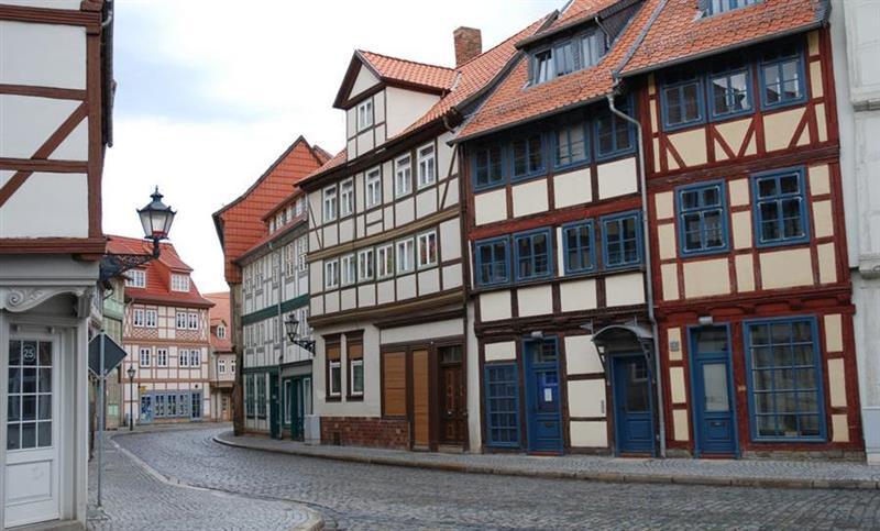 monuments-men-halberstadt-na-alemanha-foto-de-juergen-mangelsdorf