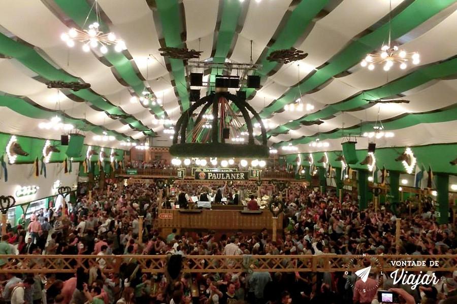 Oktoberfest - Tenda da cervejaria Paulaner