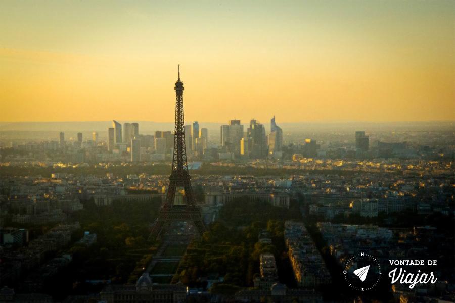 programas-diferentes-em-paris-por-do-sol-da-torre-montparnasse