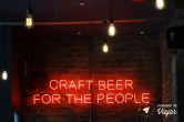 Dundee Escocia - BrewDog Bar em Dundee - Letreiro Craft beer for the people