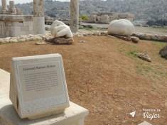 Ama Jordania - Estatua Colossal