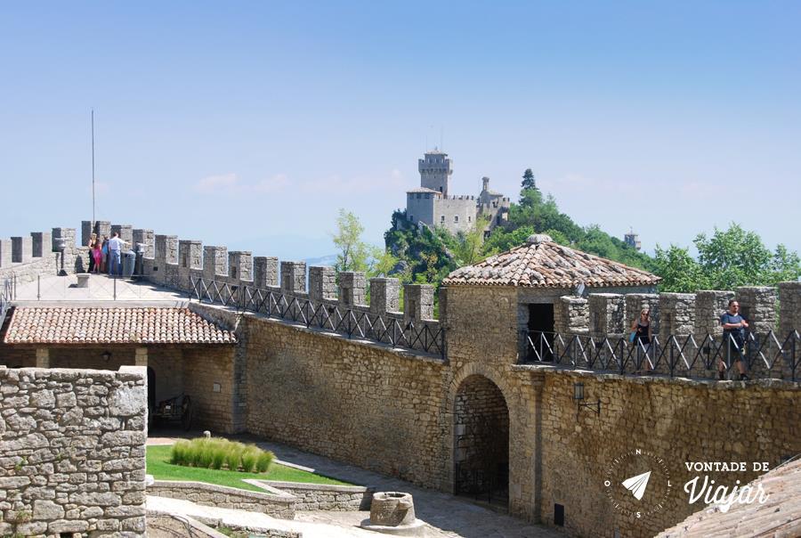 San Marino Italia - 3a Torre vista da 2a Torre