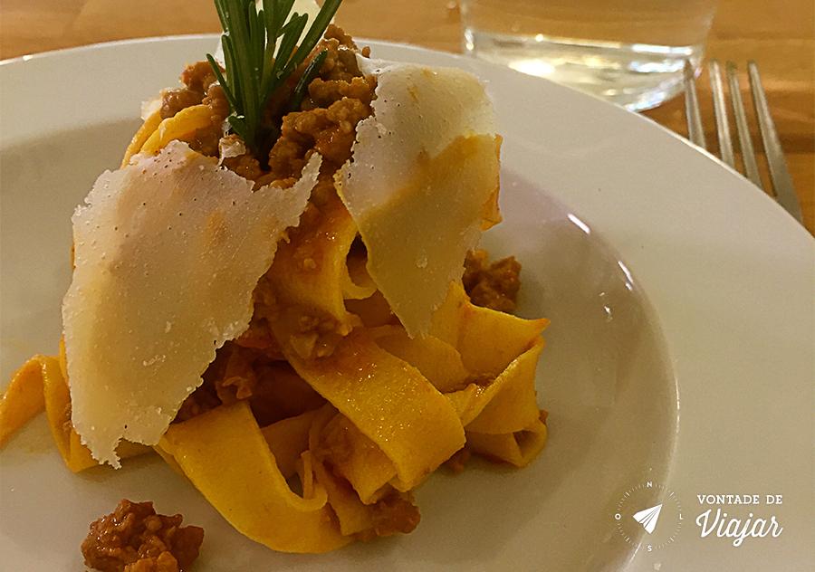 emilia-romagna-italia-para-foodies-macarrao-a-bolonhesa-original