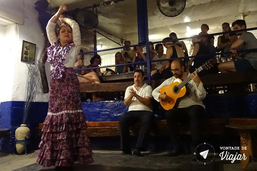 Tapas em Sevilha - Flamenco no bar La Carboneria