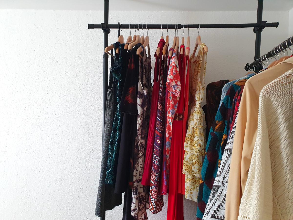 Kleiderschrank ausmisten: So funktioniert's!